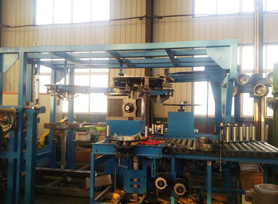 Semi-steel radial tire green tire coating line for inner and outer