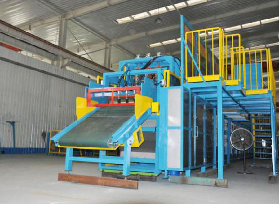 Rubber batch off cooling machine